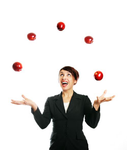 woman-juggling-apples